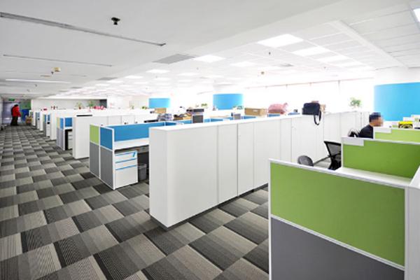 积极向上正能量的人,连办公桌都要是彩色 上海办公家具