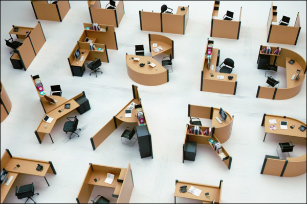 设计师又脑洞大开啦!你还坐在一堆隔板中办公吗?那你已经OUT了!