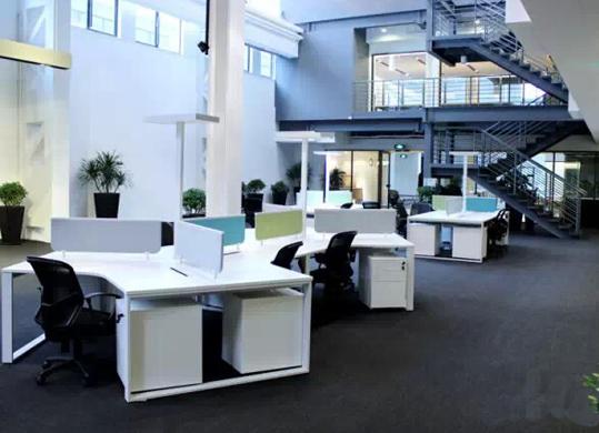 """""""无阶级""""办公室一种新兴办公方式!"""