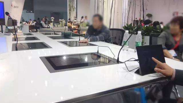 别以为广交会只有一成不变的办公室家具?