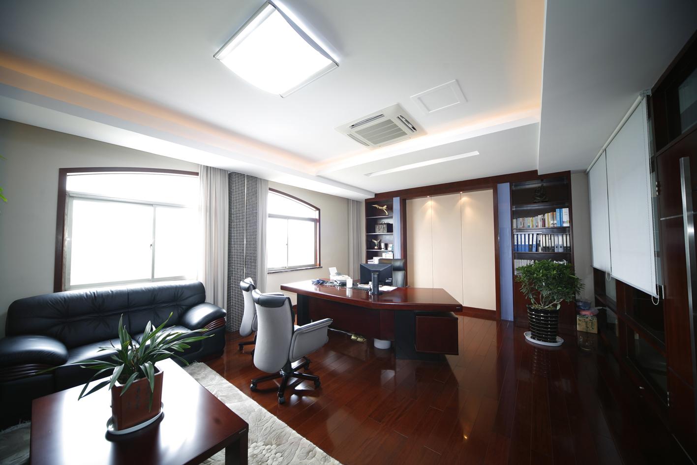 上海办公家具厂揭秘——实木办公家具的秘密
