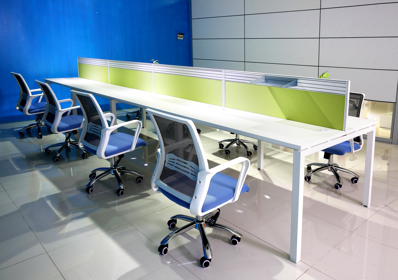 网布办公椅更适合员工使用
