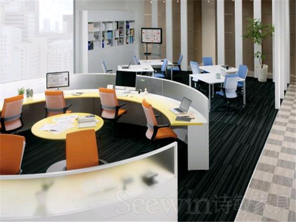 上海办公桌的形状不同 作用也会有所不同