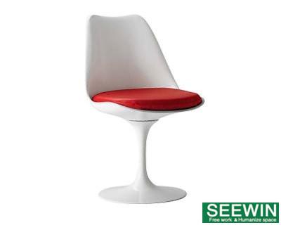 郁金香椅 世界名椅:Tulip Chair