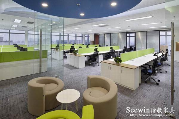 板式办公家具为什么比实木办公家具有优势?