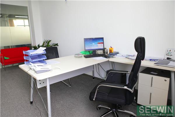 夏天办公家具要防暑降温