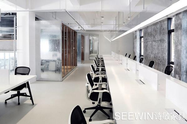 镜面办公空间设计让空间更大气!