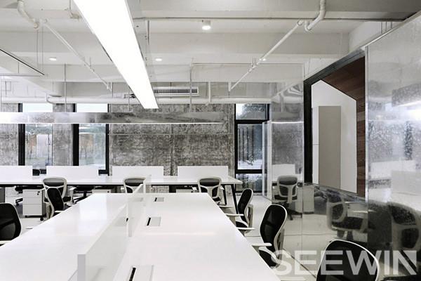 盒子里的办公空间,打造不一样的工业风