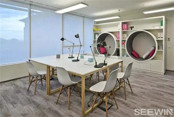 环保与创意结合,打造独特办公空间