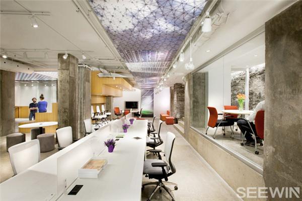 与环境融为一体的办公家具展厅设计