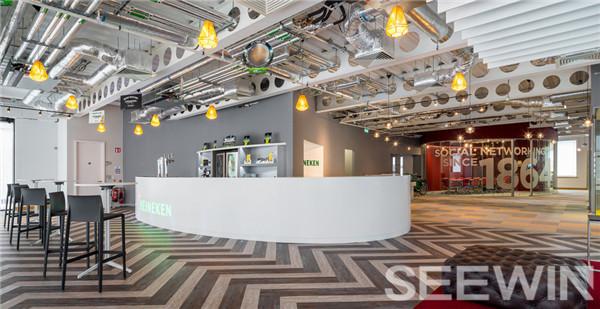 动感十足、热力四射的办公家具设计体现品牌精神。
