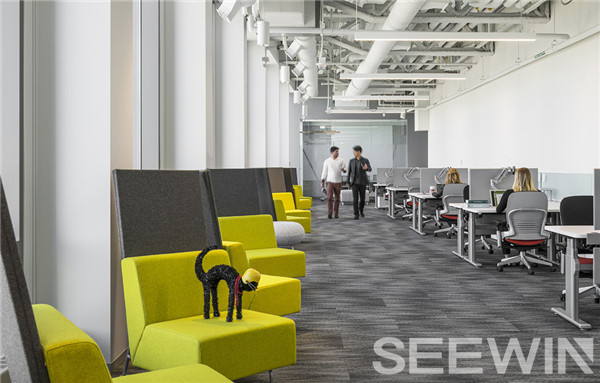个性的办公家具功能和工作方式打造多元化工作空间