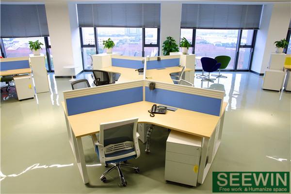 办公桌的设计必须符合人体工学的要求