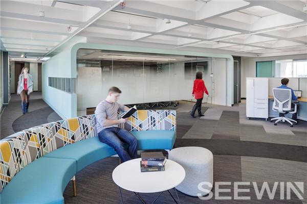 自然本质,与缤纷色彩打造一个精美视觉的办公空间
