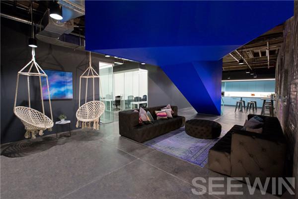 设计创意将斑驳岁月印痕改变为魅力办公空间