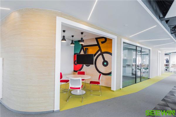 这样的办公空间能令人聚精会神、工作更高效