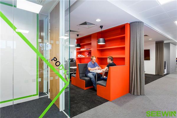 打造一个促进员工满意度和工作士气的创新空间