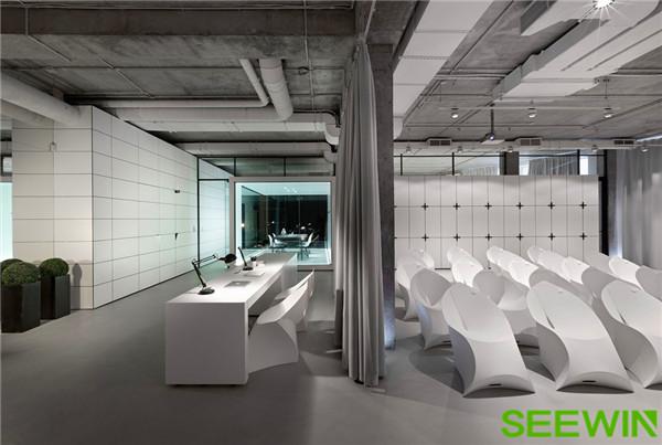 营造一个静谧柔美的办公空间氛围