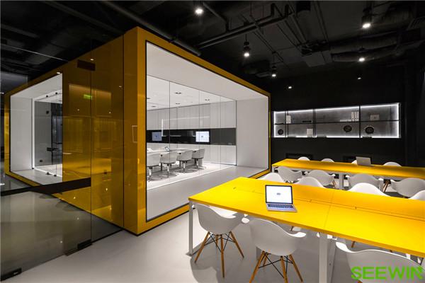 以创新理念打造一个灵动多元的办公空间