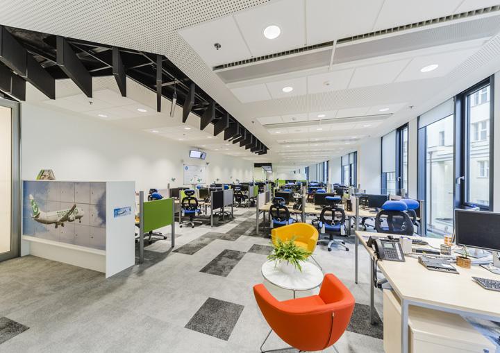 旅行机构 BlueLink客户体验中心办公家具设计欣赏