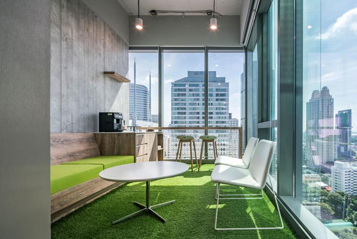 遇见与协作 梅赛德斯奔驰泰国总部办公家具设计欣赏