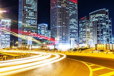 时代金融中心到上海诗敏办公家具路线推荐?