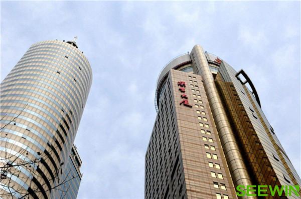 上海兰生大厦到诗敏办公家具展厅怎么走?