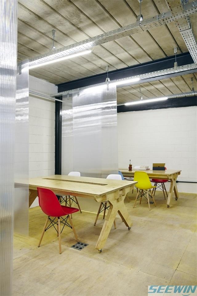 五金连接配件是办公家具的重要关节