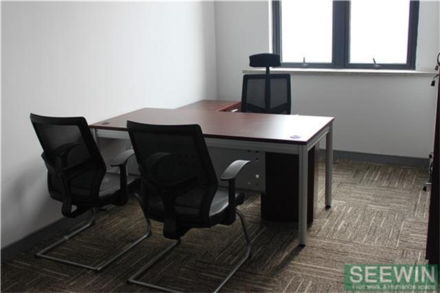板式 现代办公家具也可以演绎自然风