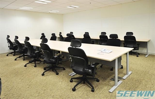 人性化的办公桌设计能提高工作效率
