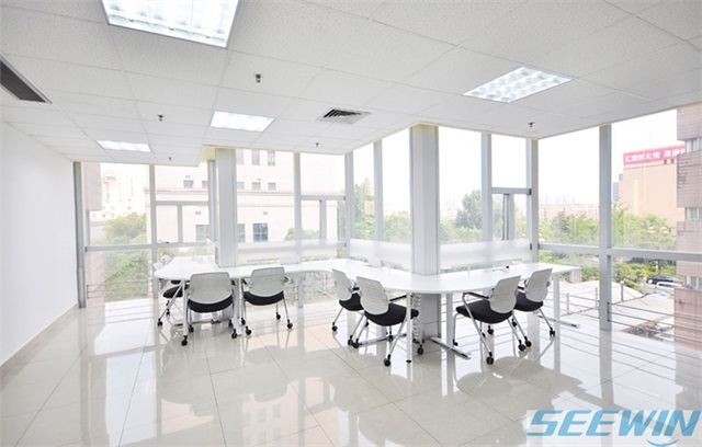 未来办公家具厂家应以品牌和服务为支撑求发展
