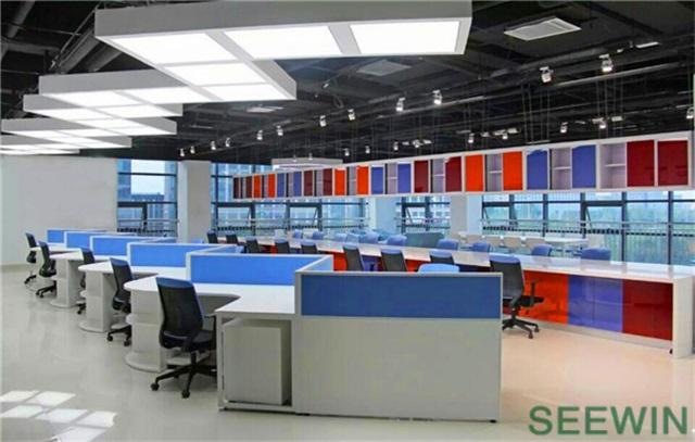 办公家具整体搭配能提高企业形象
